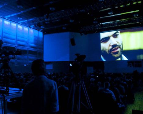 Il videointervento di Saviano alla serata di premiazione (foto di Riccardo Gallini)