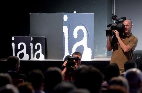 Telecamere sul pubblico (foto di Riccardo Gallini)