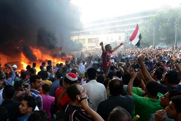Egitto, scontri tra sostenitori Morsi e oppositori